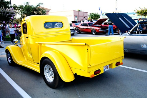 yellow chevy truck